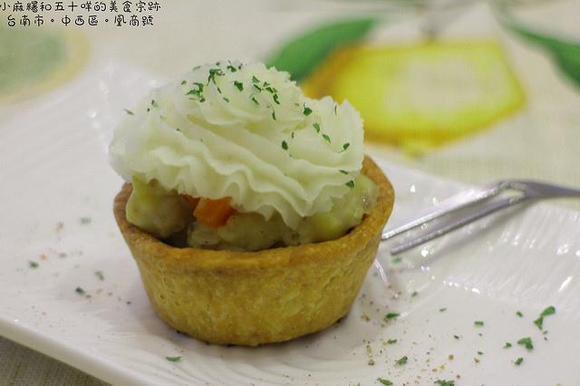 台南 大菜市的小點心X清涼順口鳳梨冰茶 台南市中西區|凰商號