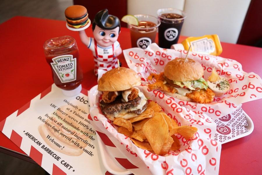 台南 美式漢堡竟然和油條尬在一起做成四川帶麻伴辣的風味,吃起來意外協調又涮嘴 台南市中西區|ABC Burger