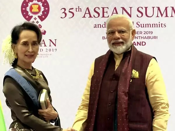 India attaches importance to Myanmar's cooperation against insurgent groups : PM Modi to Suu Kyi