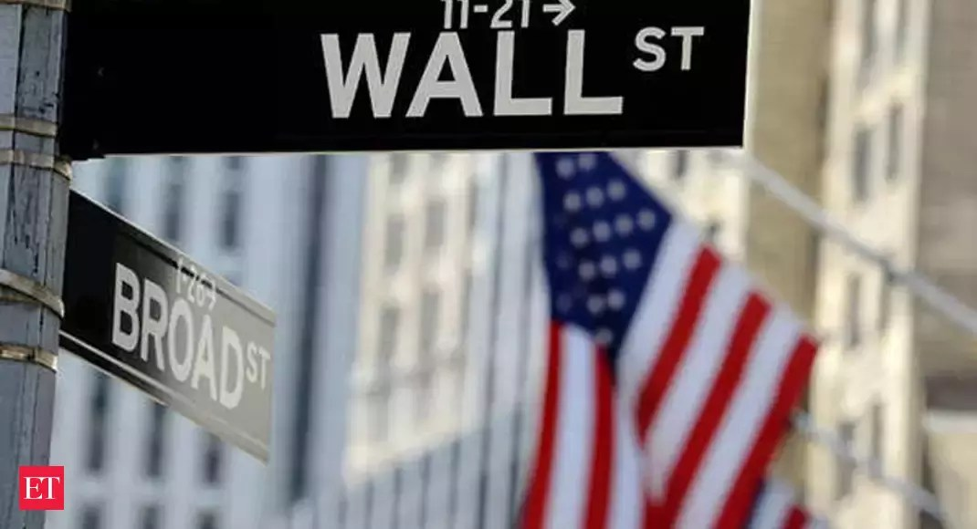 US Stocks: Oil drop saps gains as Wall Street fades late