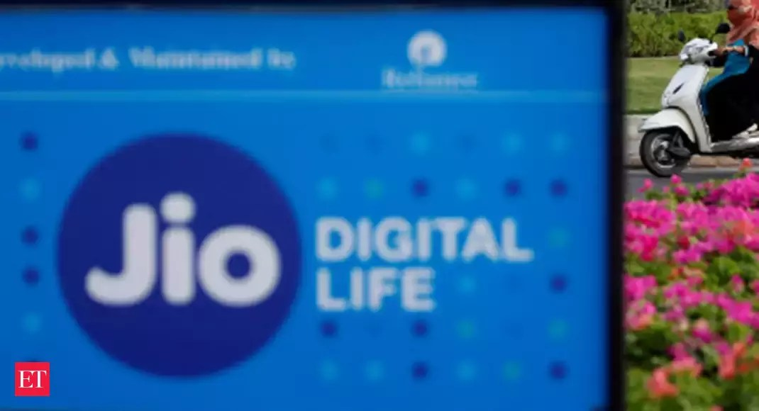 Jio partners United Kingdom's AeroMobile for in-flight connectivity services