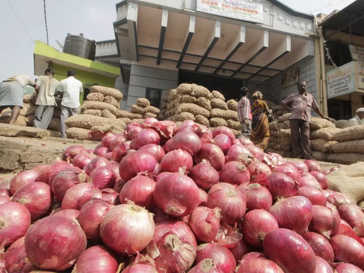 onions prices on rise in delhi wholesale markets