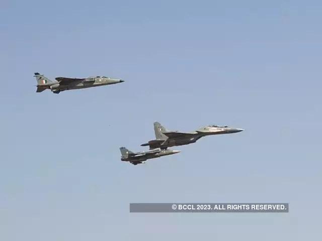 Iaf Aero India Iaf Honours Slain Surya Kiran Pilot With