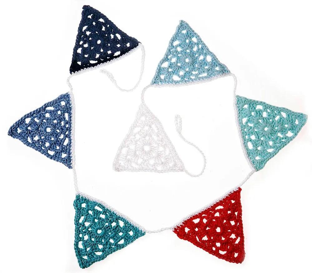 Crochet Triangle Garland ...