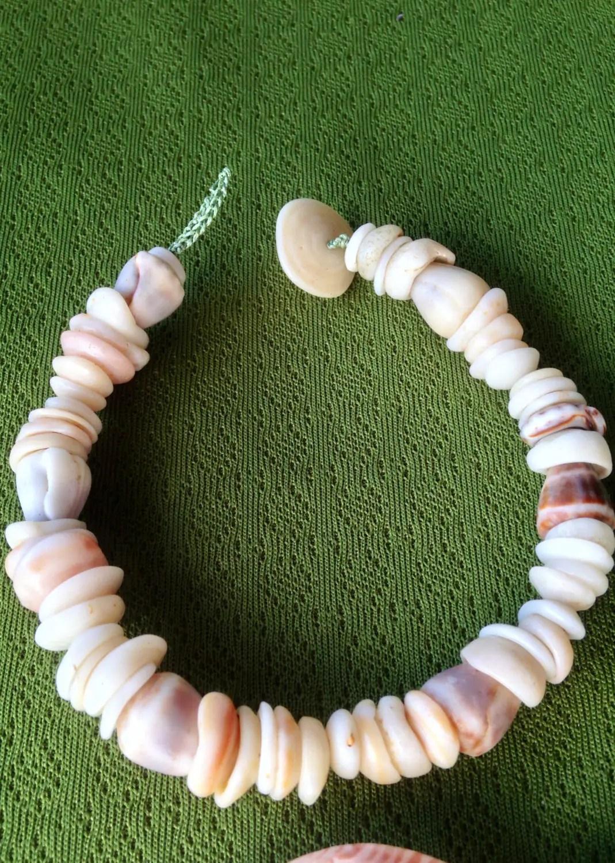 Authentic Hawaiian Puka Shell Bead Bracelet - Year of Clean