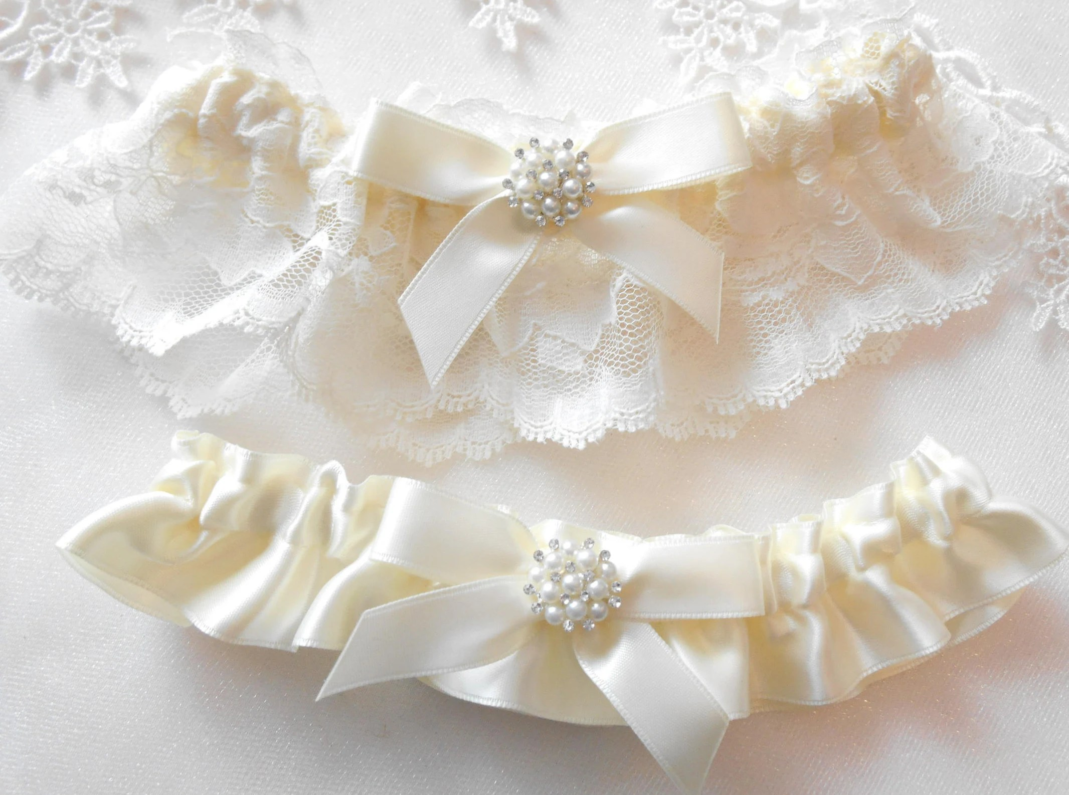 Wedding Garter Set Vintage Lace Ivory White And Off