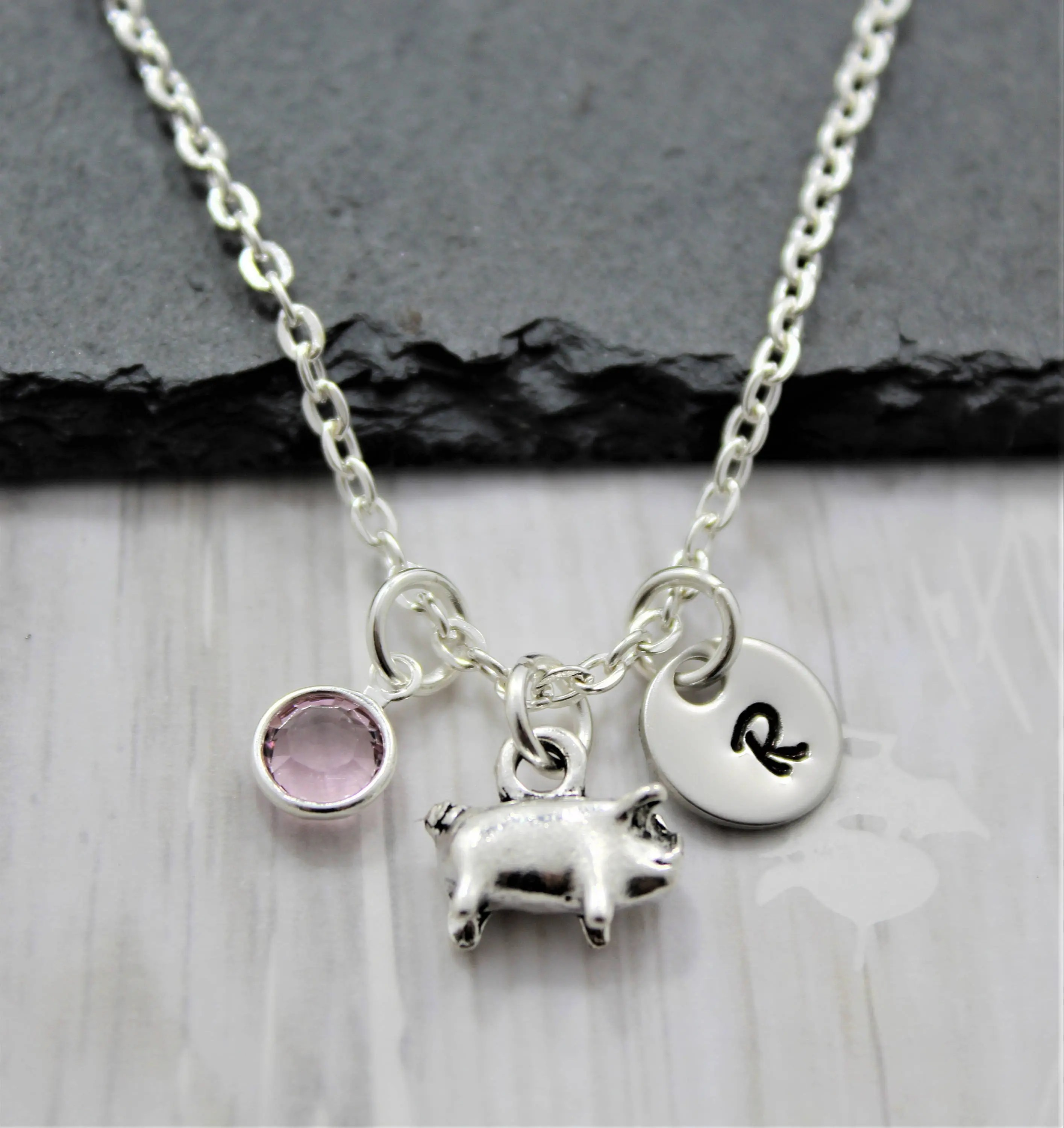 Pig Necklace Lover Show