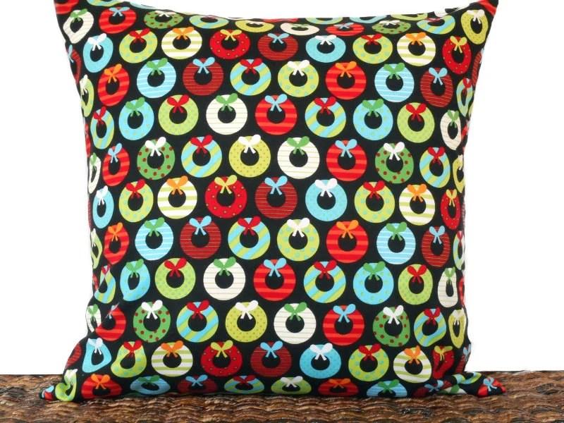 Retro Wreaths Christmas Pillow Cover Cushion Mod Black Red