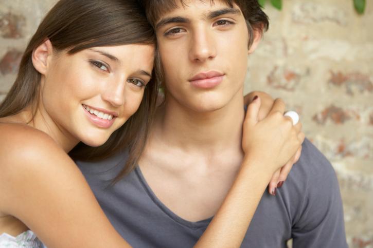 Resultado de imagen para parejas adolescentes