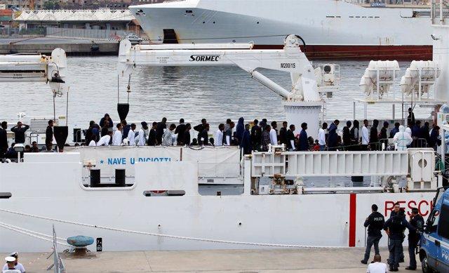 Resultado de imagen para barco Diciotti