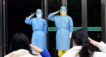 China empieza a cerrar los hospitales levantados en Wuhan para ...