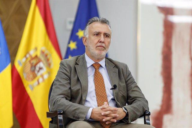 El presidente del Gobierno de Canarias, Ángel Víctor Torres, responde en una entrevista concedida a Europa Press, en Las Palmas de Gran Canaria, Gran Canaria, (España), a 27 de noviembre de 2020.