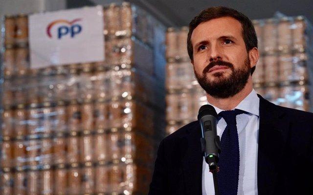 El presidente del PP, Pablo Casado, visita un Banco de Alimentos en Reus (Tarragona). En Tarragona, a 27 de noviembre de 2020.