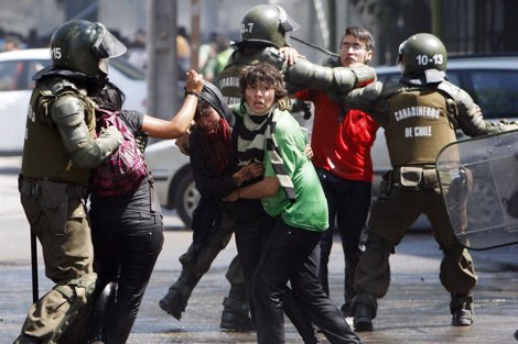 Manifestación De Estudiantes En Chile