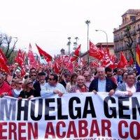 Huelga de banderas en Sevilla