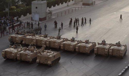 El Ejército Egipcio Se Despliega De Nuevo En Las Calles