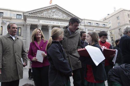 Niños Entregan A Diputados Agenda Save The Children