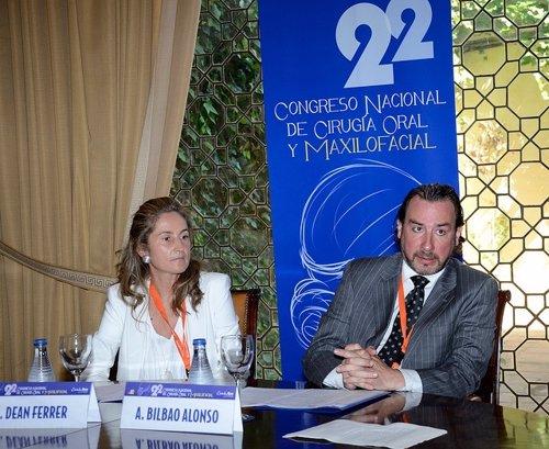 Alicia Dean y Arturo Bilbao, en el congreso de la SECOM en Córdoba