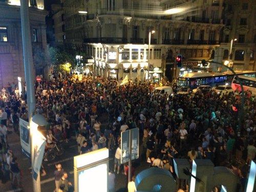 Más de un millar de personas piden la dimisión de Rajoy en Madrid