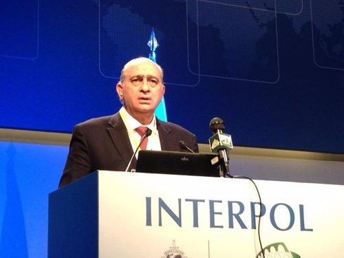 El ministro del Interior en la Asamblea de Interpol en Roma