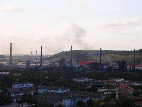 Fábricas en Llaranes Asturias