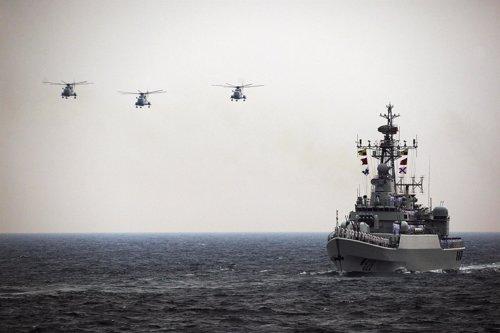 Maniobras de China, barco