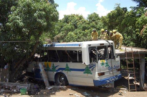 Un Autobús Se Empotra Contra Una Vivienda En México
