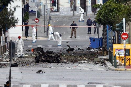Estalla un coche bomba en Atenas (Grecia) frente a un banco