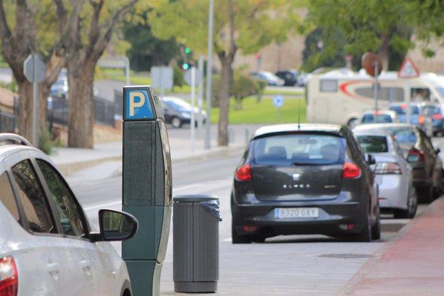 Zona azul, parquimetros, aparcamientos de pago, linea azul