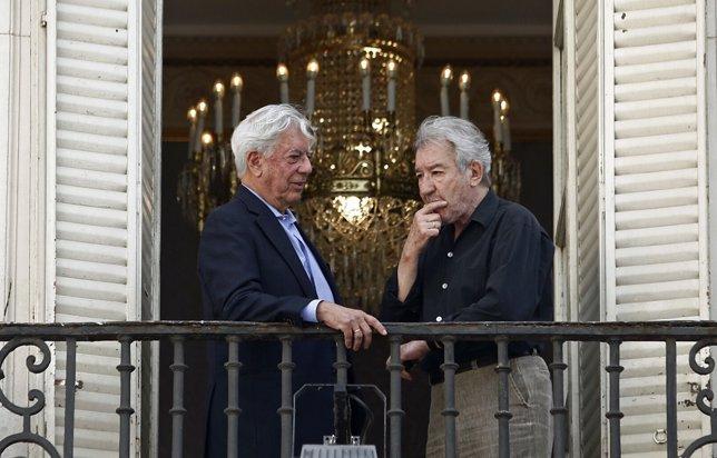 Mario Vargas Llosa y José Sacritán