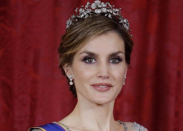 queen letizia spain eyes