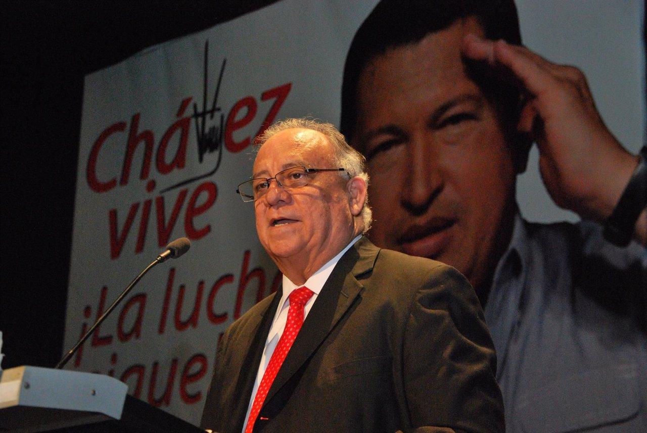 El embajador de Venezuela en España, Mario Ricardo Isea