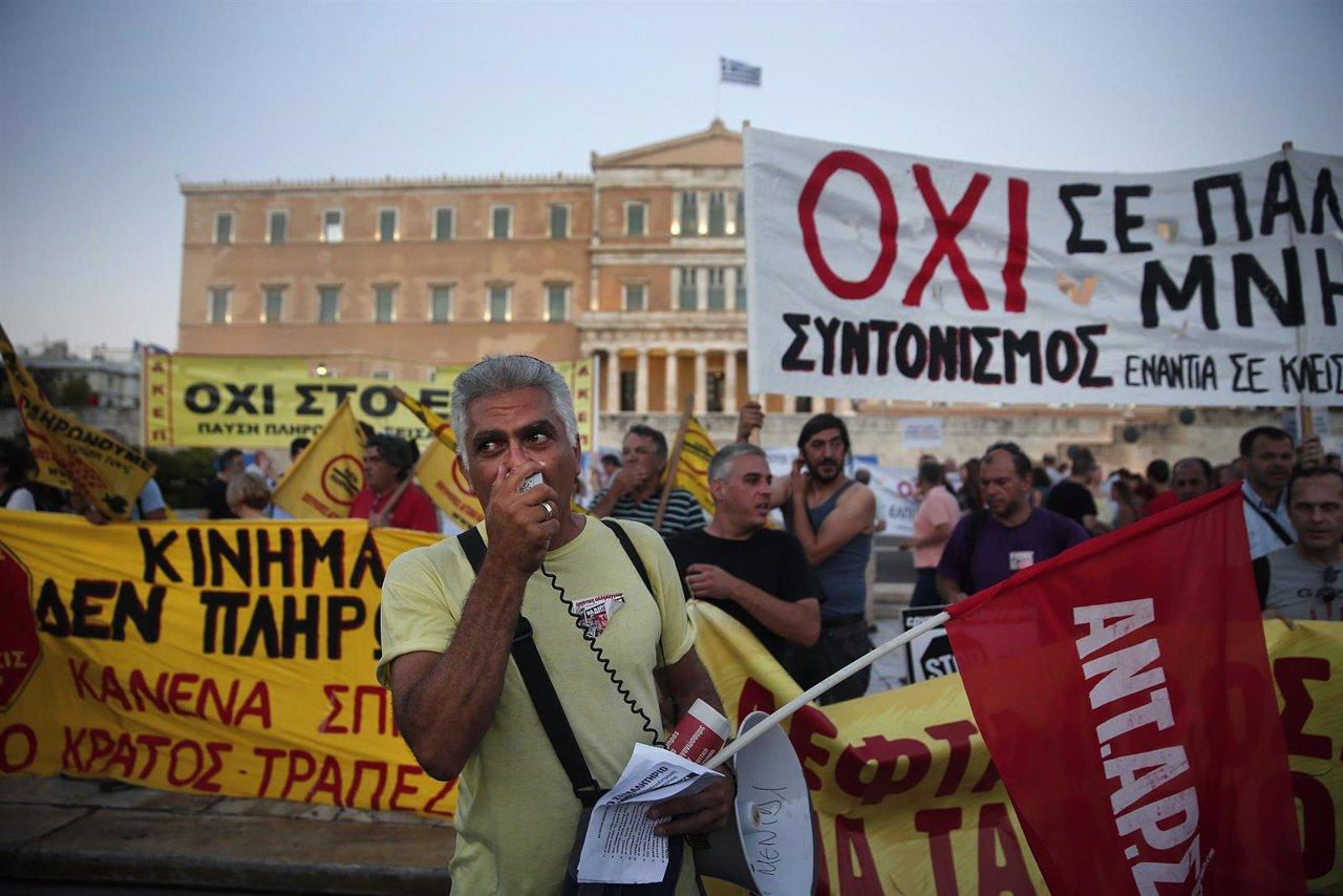 Manifestación en Atenas contra el tercer rescate financiero