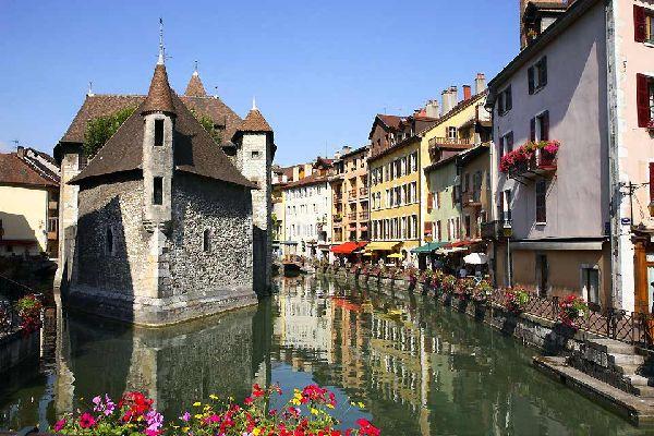 Viaggi Annecy Francia  Guida Annecy con Easyviaggio