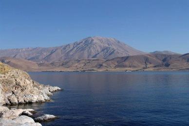 Sulla Mezzaluna fertile il Lago Van  Il mare chiuso