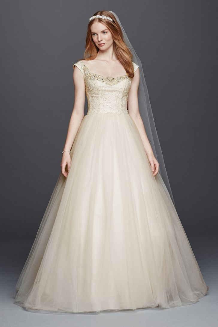 20 Trendiest Wedding Dresses Under $1,000