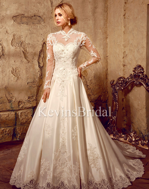 How to Select Wedding Dresses for the Mature Bride