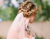 10 Fabulous Updo Hairstyles with Bridal Veil - EverAfterGuide