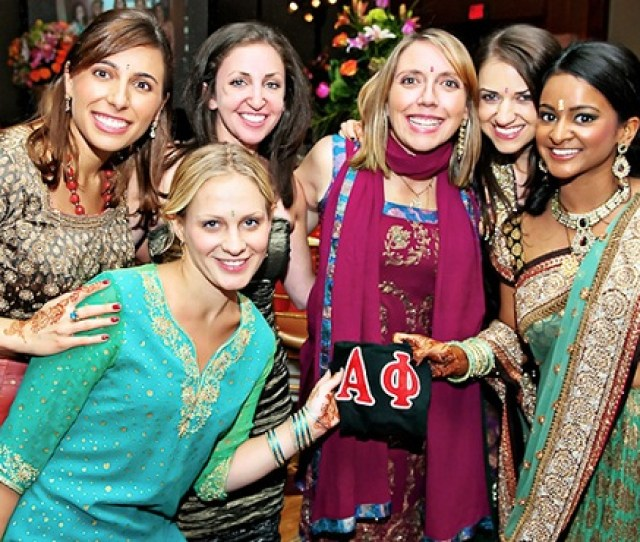 If You Choose Not To Wear The Traditional Indian Attire Remember To Avoid Baring The Shoulders Or Wearing Low Cut Tops Skirts Or Other Revealing Pieces