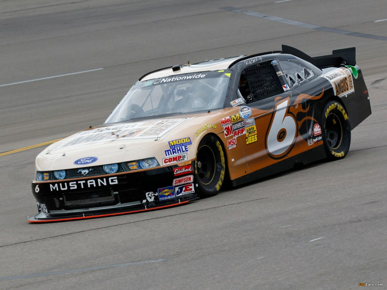 Pictures of Mustang NASCAR Nationwide Series Race Car 2010 (1600x1200)