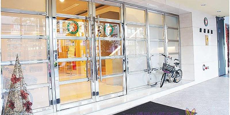 [高雄住宿]康橋商旅城市之星漢神館~寬敞半隔間的豪華四人房,衛浴明亮又高檔