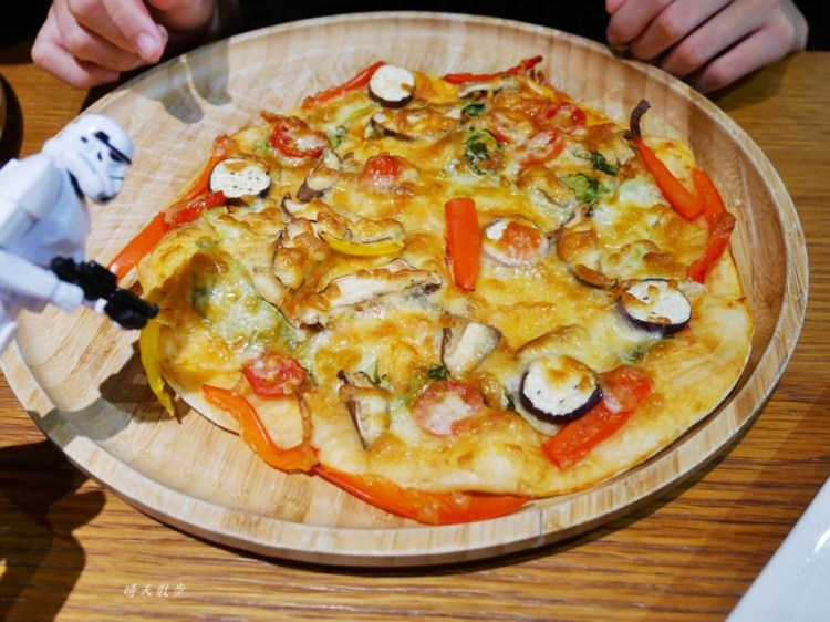 台中親子|JOY HOJA~披薩DIY 健康蔬食pizza自己做 禮客時尚館台中店(台中午茶生活節)
