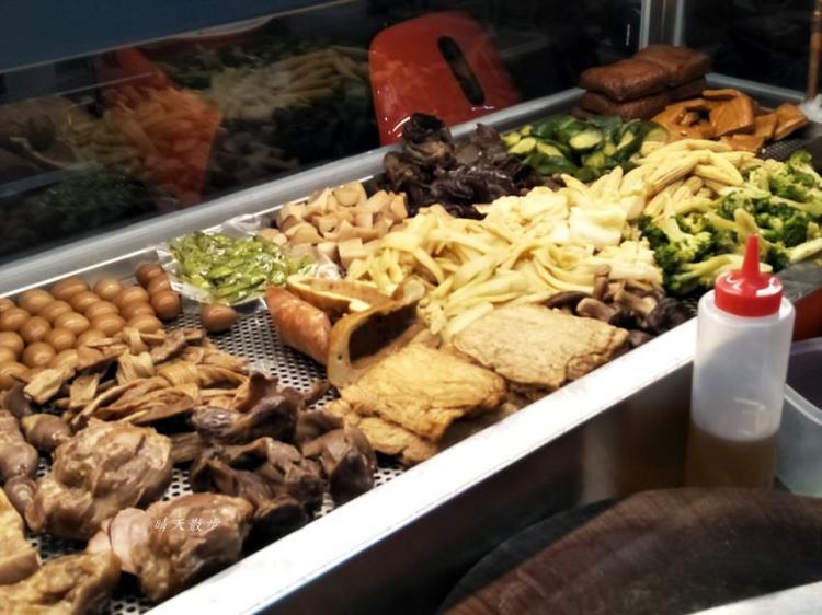 南屯滷味|藏香滷味~街頭風味冷滷 滷味品項豐富 當配菜、宵夜、零嘴都好吃