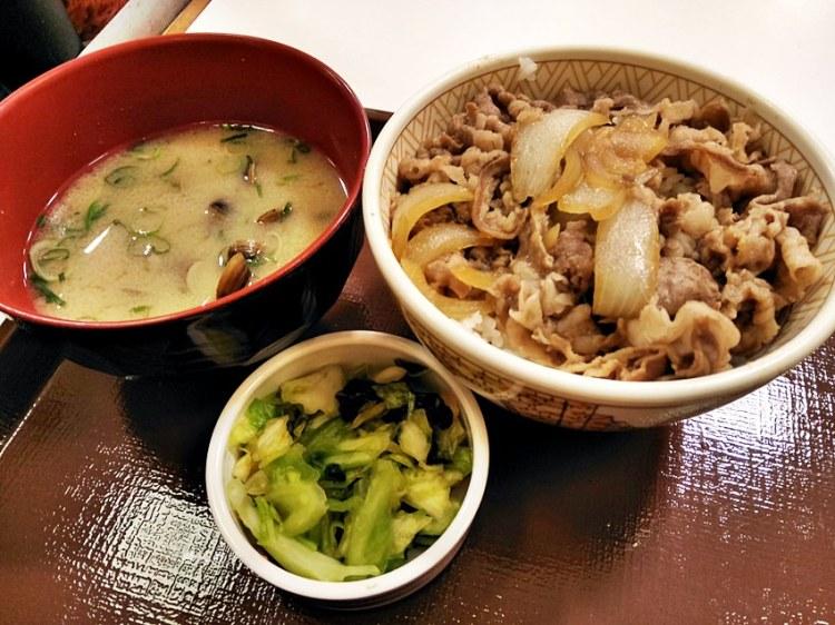 日本牛丼連鎖店sukiya /食其家 /すき家~親子遊用餐好方便