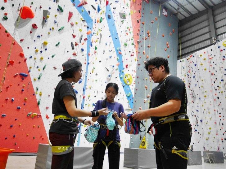 20190102155834 44 - 熱血採訪|第一次親子攀岩體驗就上手,台中約200坪空間的Dapro室內攀岩場