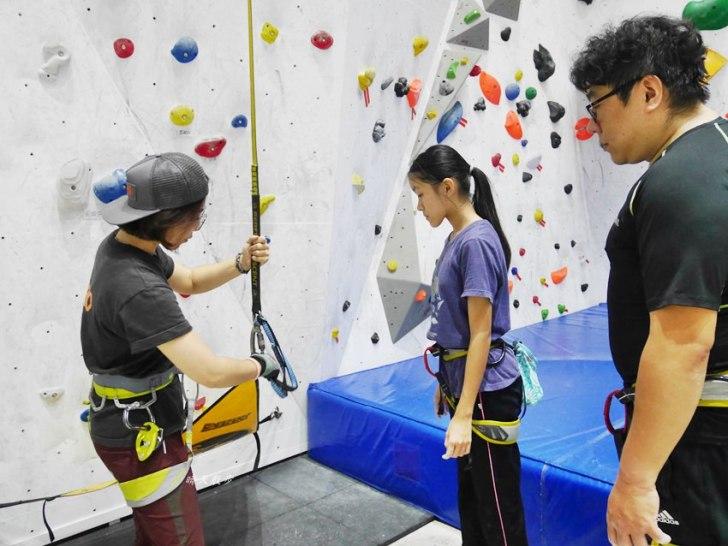 20190105135638 93 - 熱血採訪|第一次親子攀岩體驗就上手,台中約200坪空間的Dapro室內攀岩場