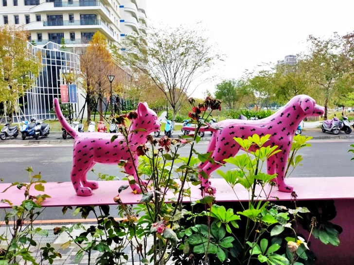 20200314003333 5 - 大里東湖公園│大里Dali Art 文創藝術廣場旁公園,大型裝置藝術作品,讓平凡公園變得超可愛!