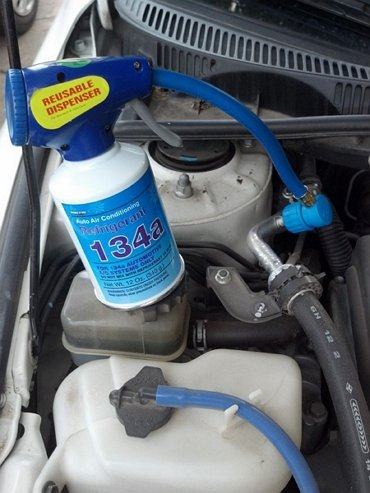 Does Running Your Car's Air Conditioner Really Affect Gas Mileage
