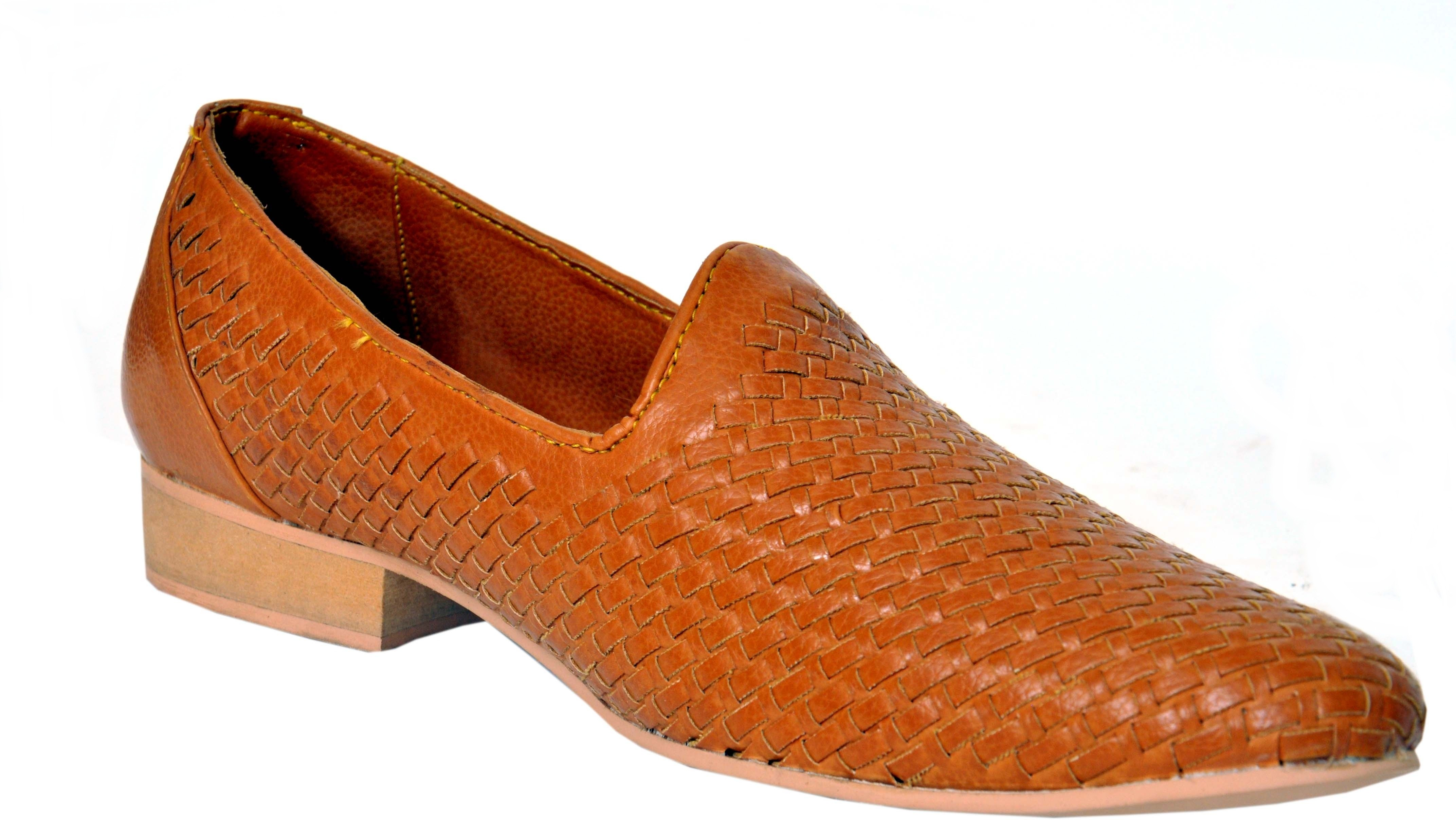 Weavers Super Stylish Tan Designer Jutis(Tan)