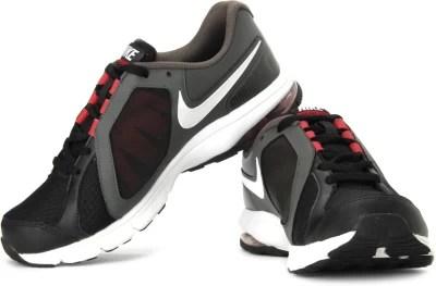 Nike Vista Running Shoes(Black, Grey)